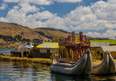 tour isla flotante de los uros (8)