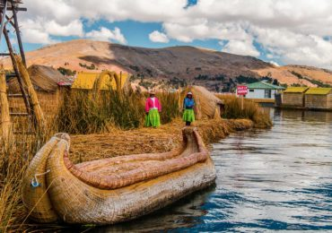 tour isla flotante de los uros (9)